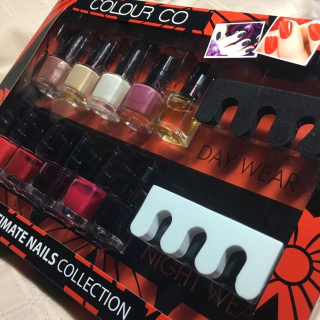 Ultimate Nails Collection