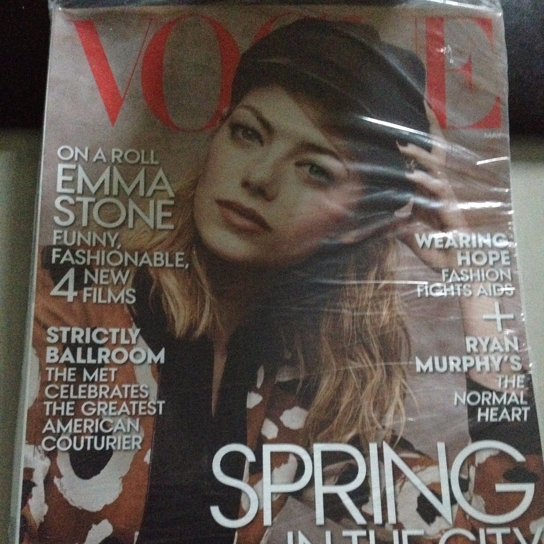 Vogue Magazines (4 issues)
