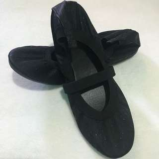 Ballet Flats with Strap size 38