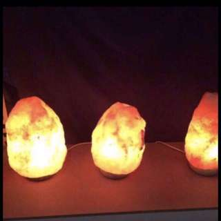 New Himalaya Natural Rock Salt Stone Lamp.$30