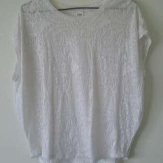 Ladies White Bat-wing Top With Swirl Design (Size 12)