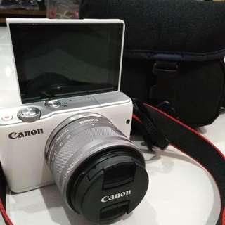 Canon EOS M10 Selfie Camera