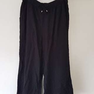 Black 7/8 Flowy Pants
