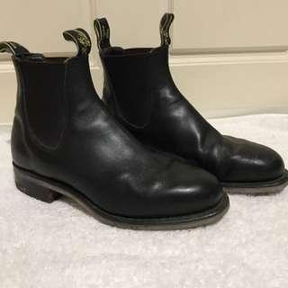 RM WILLIAMS BLACK BOOTS: 6G Men's 6-7 Women's 8-9