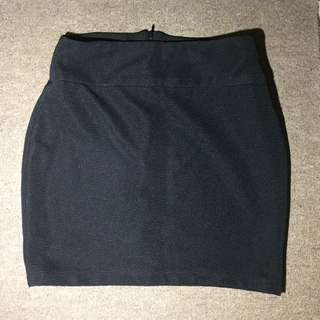 CHARLIE BLACK PENCIL SKIRT