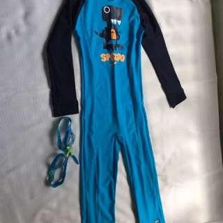 Speedo wetsuit & goggles, 5-6 yrs