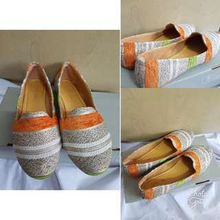 Tribal Flat Shoes Size 35/ 36