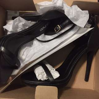 9 Pairs of US 8 High Heels DIFFERENT BRANDS