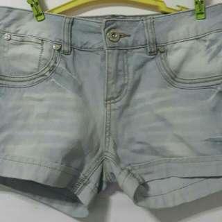 2 Shorts For 200! (Vero Moda & Factorie)