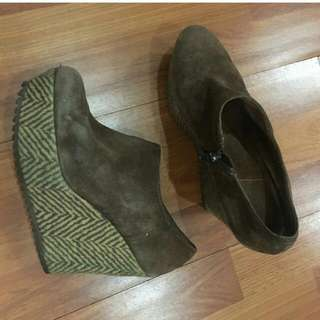 wedges bludru brown size 38-39 (7-7.5)