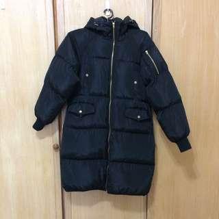 黑色長版羽棉外套
