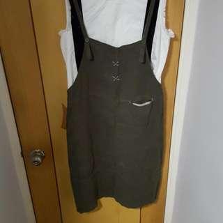 綠色麻質吊帶裙