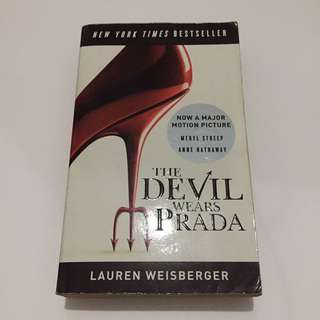The Devil Wears Prada by Lauren Weisberger (Paperback)