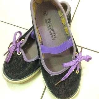 Bum Girl Shopping Shoe
