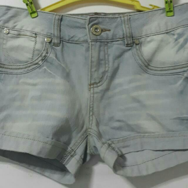 2 Shorts For 200! (Vero Moda & Factorie)