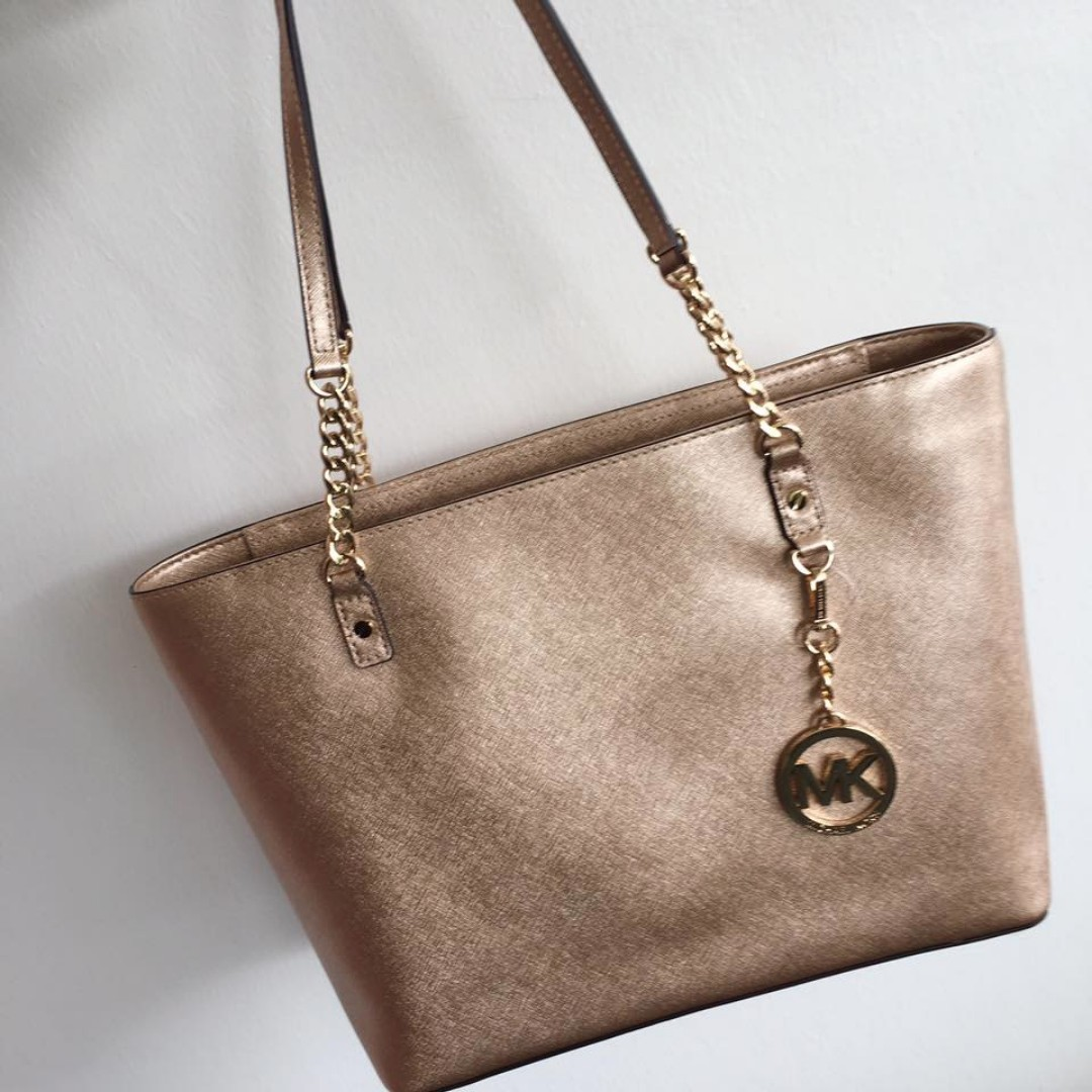 6ba71689121d ... discount code for 38f6xtct3m michael kors jet set chain east west  leather tote pale gold womens ...