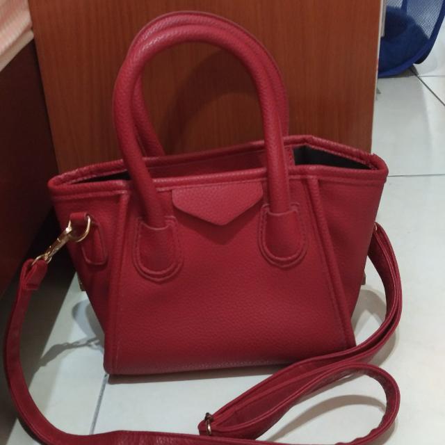 紅色側背包