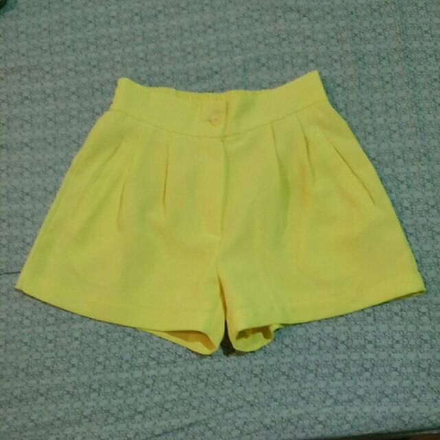 韓版夏季黃短褲