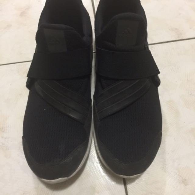 愛迪達鬆緊鞋