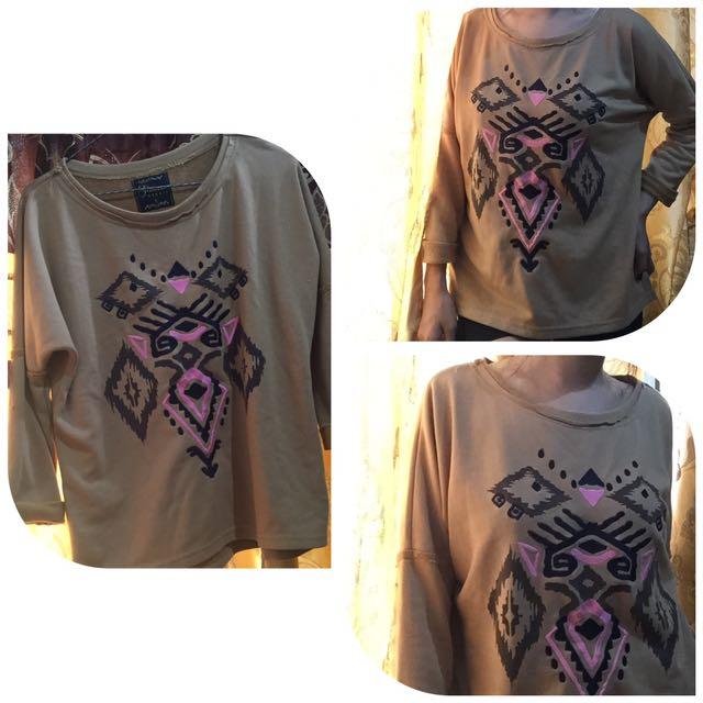 🚪 Brown Sweater