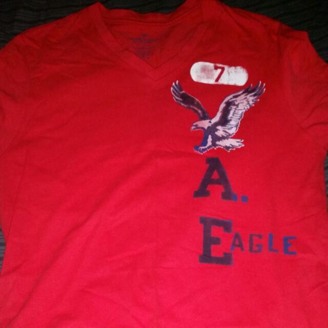American Eagle V-neck