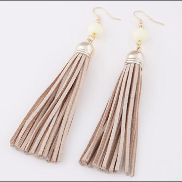 Anting Long Tassel