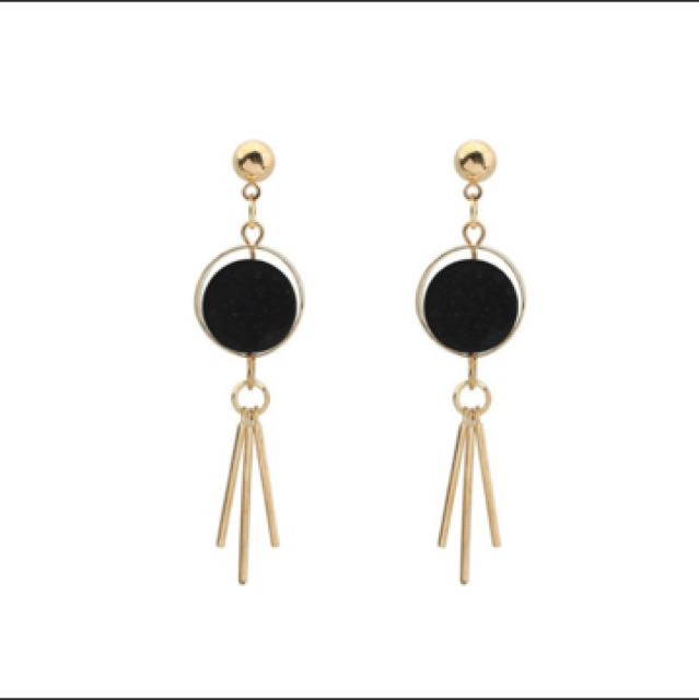 Anting Tassel Gold