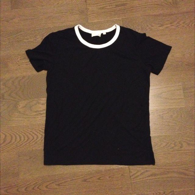Aritzia Divina Tshirt