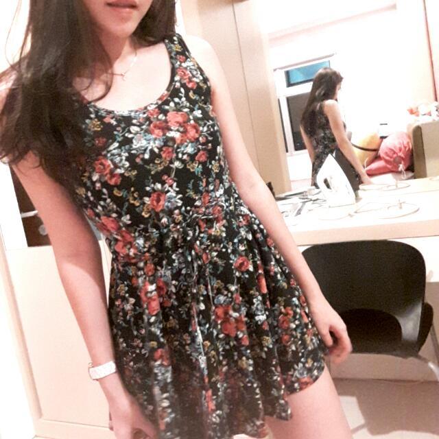 FREE ONGKIR. black floral dress