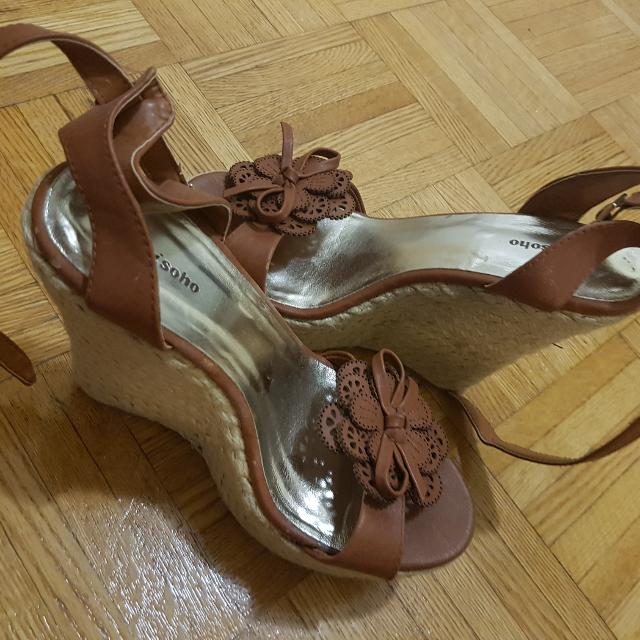 Brown Wedge Size 7.5