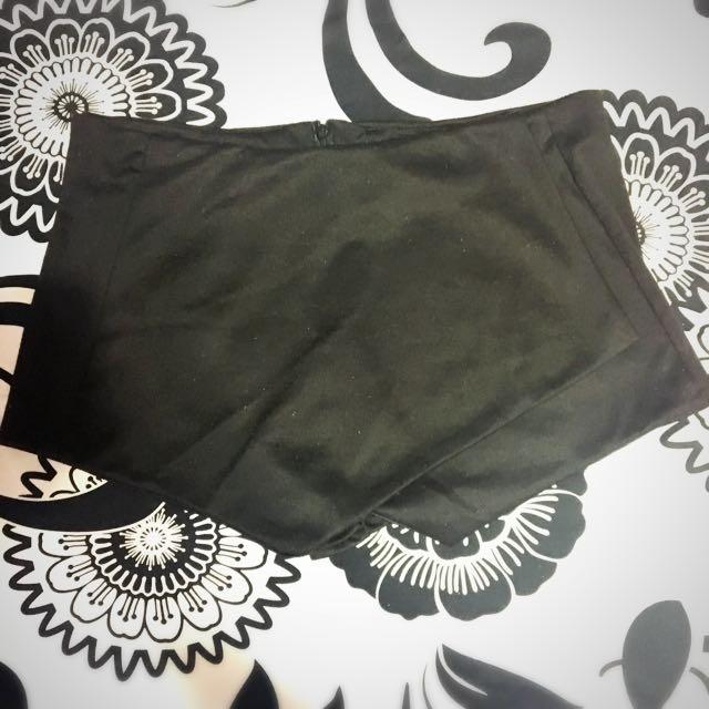 Cute Asymmetrical Black Skort