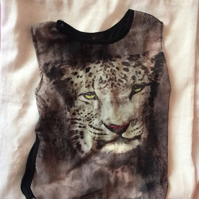Lion Hipster Top