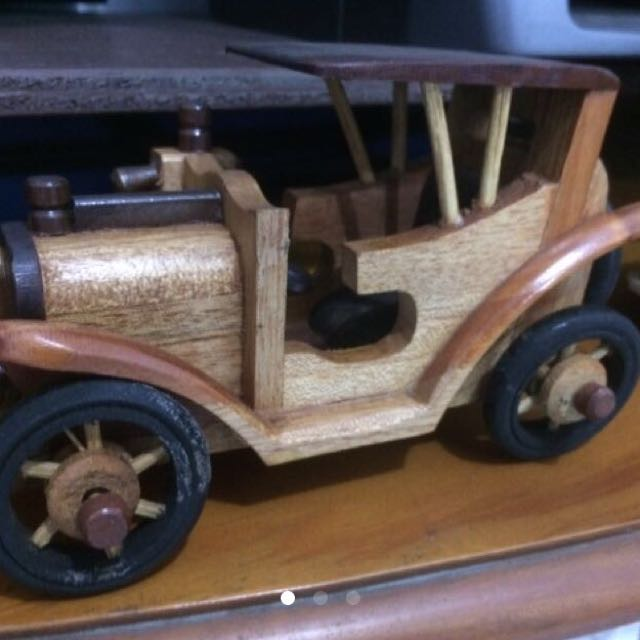 Mobil Kayu Asli buatan Indonesia