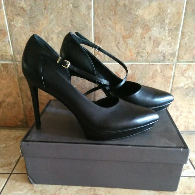 sepatu high heels pedro, Women's Fashion, Women's Shoes on
