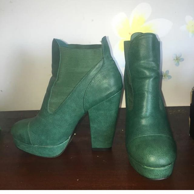 Size 10 Alonzo Andretti Leather Boot Heels