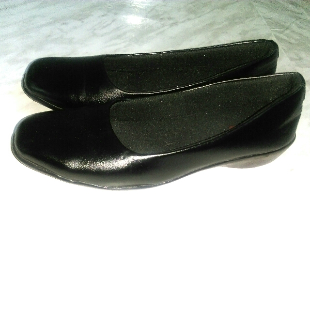 Solid Cushioned Black Formal Shoes - Size 40