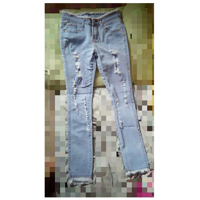Tattered Jeans (preloved)