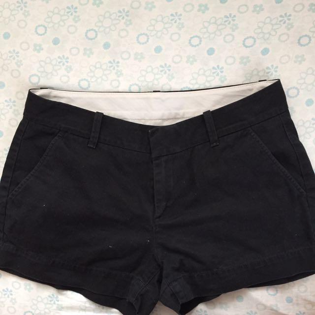 UNIQLO Black Shorts