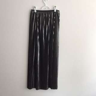 ZARA Black & Silver Pleated Skirt