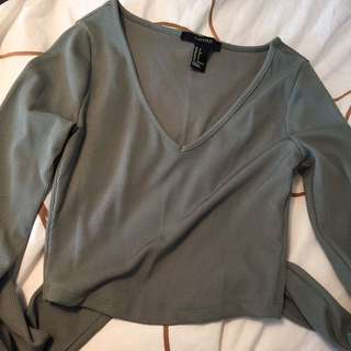 Forever 21 Green Long Sleeve Crop Top