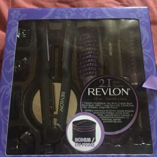Revlon 21 Piece Hair Set (ceramic Straightener + Accesories)