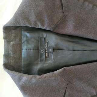 Stunning 2piece Cue Suit