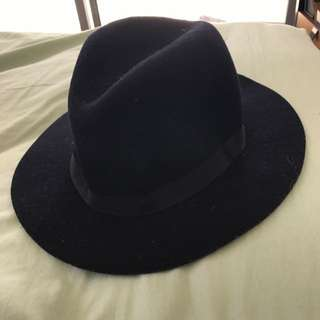 Cotton on fedora hat