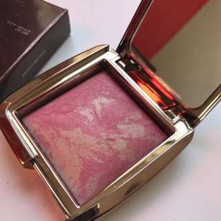 Hourglass Luminous Blush