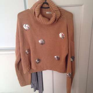 Size M/L Cropped Sweater
