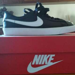 Black Nike Tennis Classic Sneakers