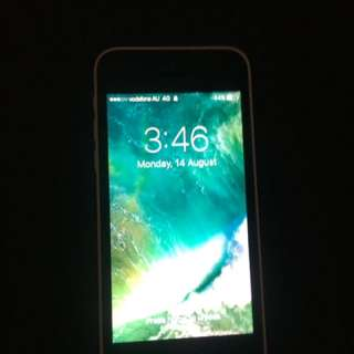 iPhone 5c - 16GB BRAND NEW CONDITION