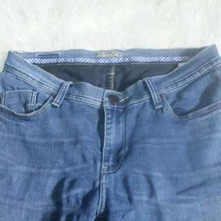 Flash sale Jeans rodeo cuma 30.000