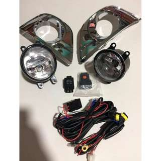 Fog Light Toyota Innova 2012 with Chrome cover switch and harness TY386