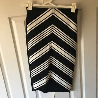 Size 6 Portmans High Waisted Skirt
